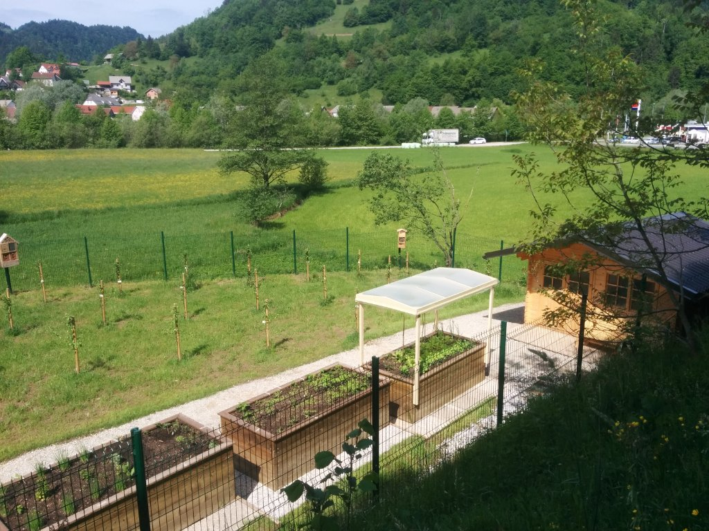 maj22_3_2020_streha-na-vrtu